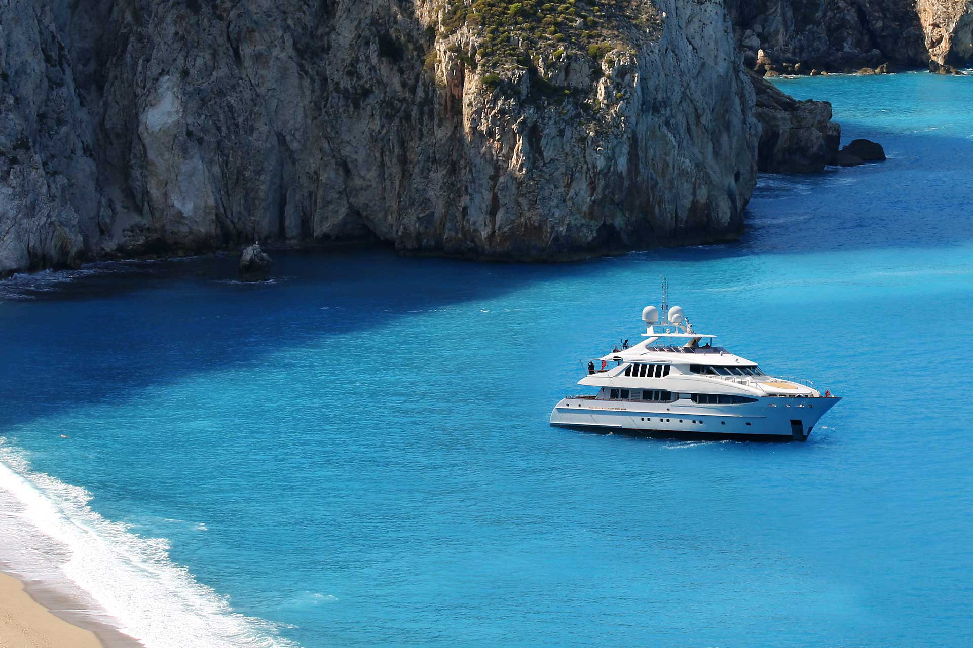Athens Gold Yachting - Motor Charter