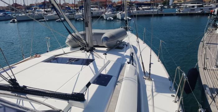 Athens Gold Yachting - Yolo sailboat